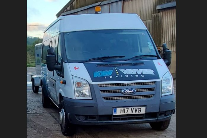 Minibus and trailer driving course